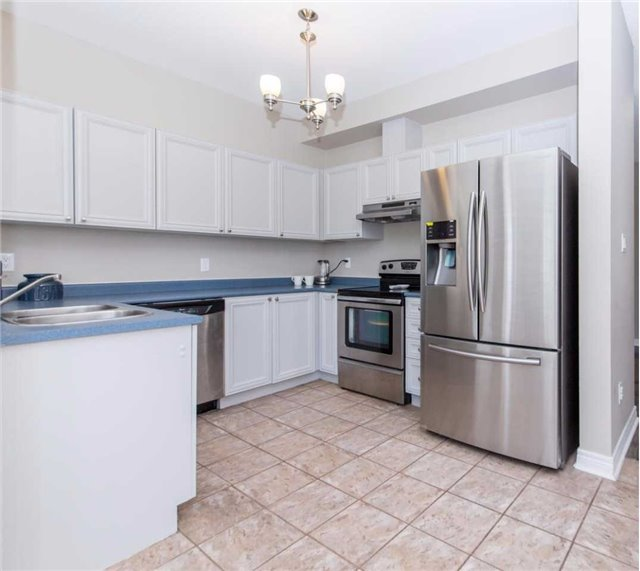 Detached at 49 Sandford Cres, Whitby, Ontario. Image 17