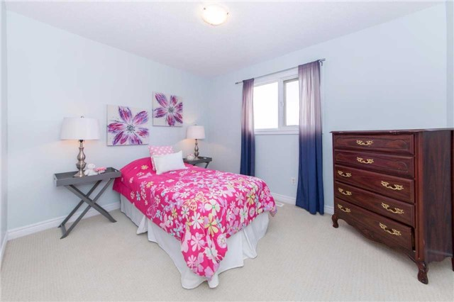 Detached at 49 Sandford Cres, Whitby, Ontario. Image 6