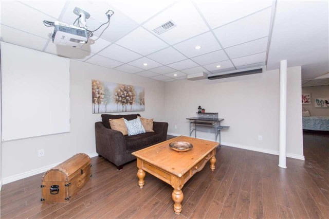 Detached at 49 Sandford Cres, Whitby, Ontario. Image 8
