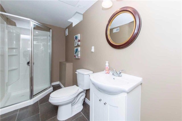 Detached at 49 Sandford Cres, Whitby, Ontario. Image 9