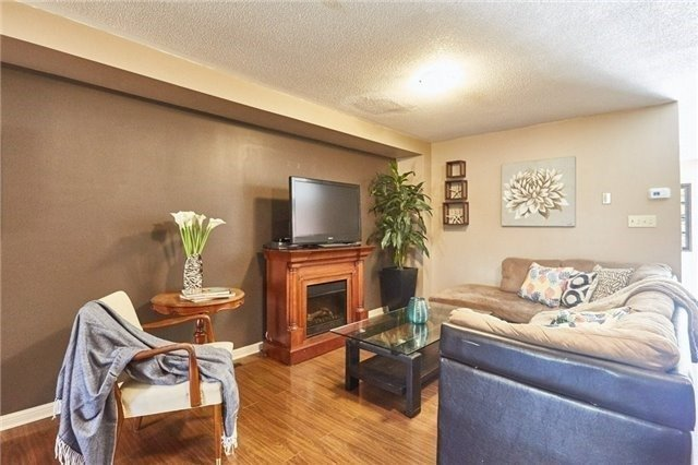 Townhouse at 58 Toscana Dr, Whitby, Ontario. Image 14