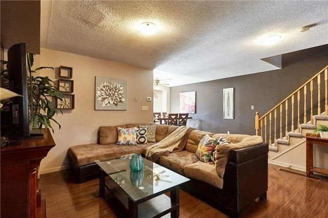 Townhouse at 58 Toscana Dr, Whitby, Ontario. Image 15