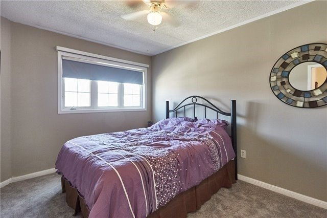 Townhouse at 58 Toscana Dr, Whitby, Ontario. Image 6
