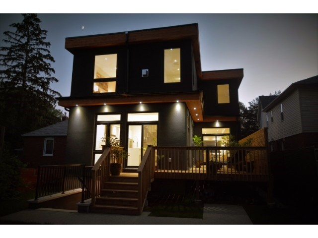 Detached at 7 Eden Park Rd, Toronto, Ontario. Image 13
