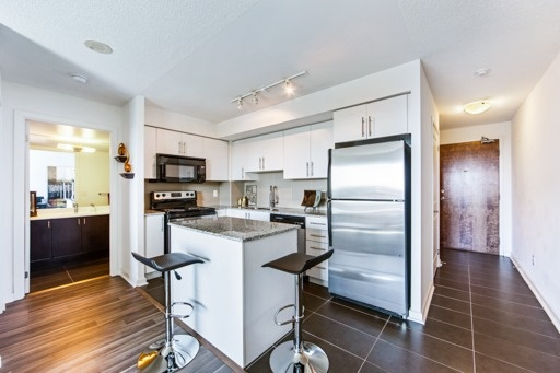 Condo Apartment at 1235 Bayly St, Unit 916, Pickering, Ontario. Image 12