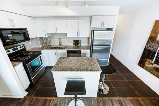 Condo Apartment at 1235 Bayly St, Unit 916, Pickering, Ontario. Image 14
