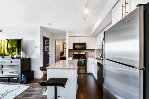 Condo Apartment at 1235 Bayly St, Unit 916, Pickering, Ontario. Image 15