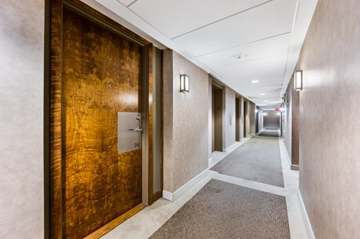 Condo Apartment at 1235 Bayly St, Unit 916, Pickering, Ontario. Image 4