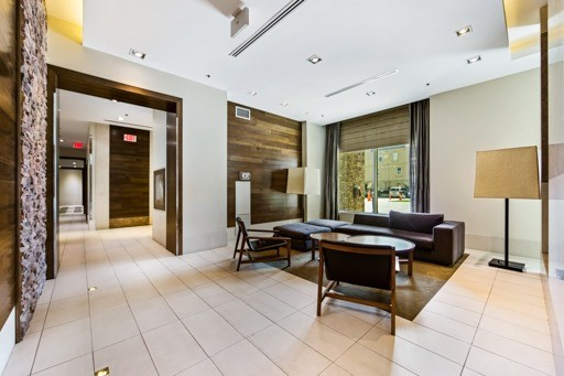 Condo Apartment at 1235 Bayly St, Unit 916, Pickering, Ontario. Image 6