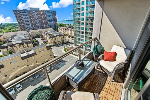 Condo Apartment at 1235 Bayly St, Unit 916, Pickering, Ontario. Image 11