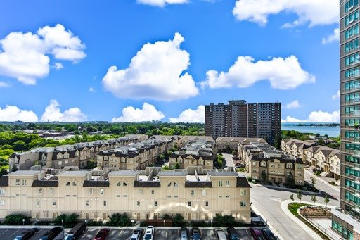Condo Apartment at 1235 Bayly St, Unit 916, Pickering, Ontario. Image 13