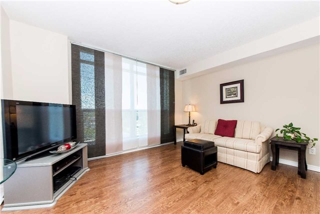 Condo Apartment at 340 Watson St W, Unit 522, Whitby, Ontario. Image 16