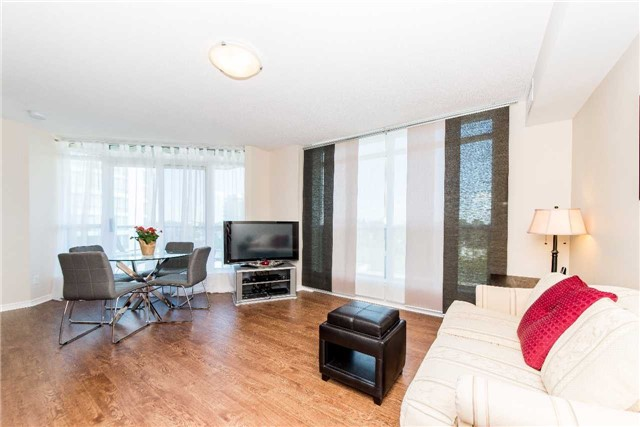 Condo Apartment at 340 Watson St W, Unit 522, Whitby, Ontario. Image 17