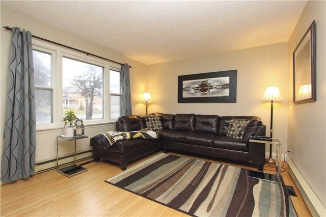 Detached at 4810 Baldwin St, Whitby, Ontario. Image 11