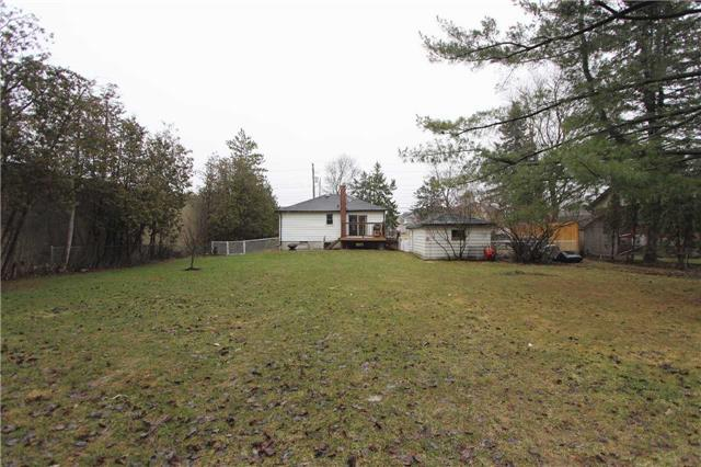 Detached at 4810 Baldwin St, Whitby, Ontario. Image 17