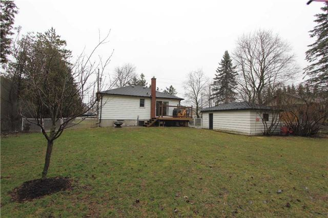 Detached at 4810 Baldwin St, Whitby, Ontario. Image 2