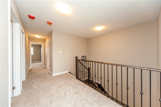 Detached at 18 Moses Cres, Clarington, Ontario. Image 3