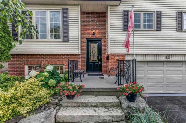 Detached at 13 Bellwood Dr, Whitby, Ontario. Image 12