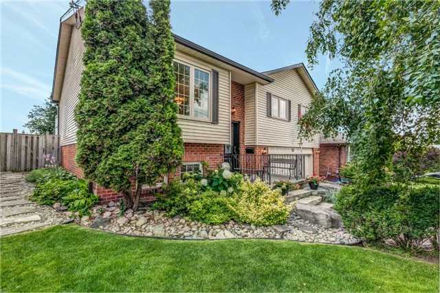 Detached at 13 Bellwood Dr, Whitby, Ontario. Image 14