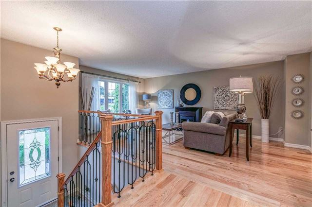 Detached at 13 Bellwood Dr, Whitby, Ontario. Image 15