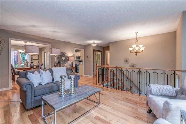 Detached at 13 Bellwood Dr, Whitby, Ontario. Image 16