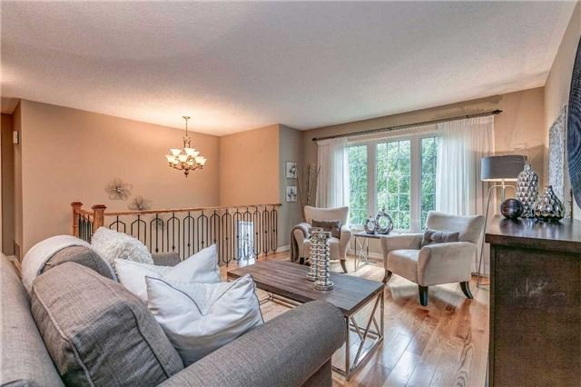 Detached at 13 Bellwood Dr, Whitby, Ontario. Image 18