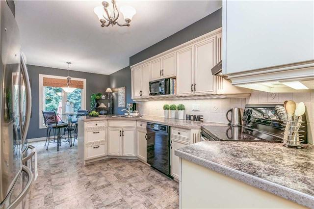 Detached at 13 Bellwood Dr, Whitby, Ontario. Image 20