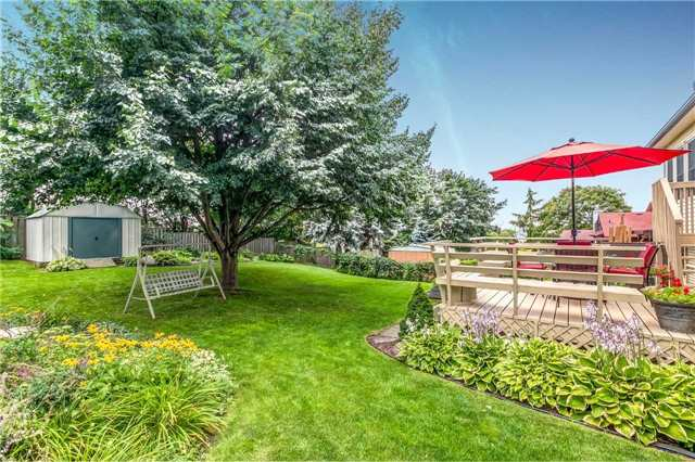 Detached at 13 Bellwood Dr, Whitby, Ontario. Image 11