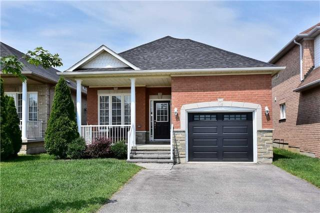 Detached at 14 Treen Cres, Whitby, Ontario. Image 1
