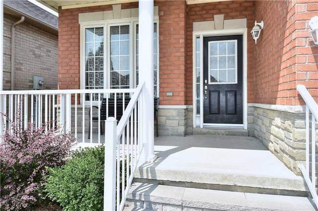 Detached at 14 Treen Cres, Whitby, Ontario. Image 12