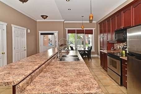 Detached at 14 Treen Cres, Whitby, Ontario. Image 14