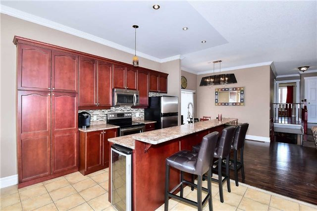 Detached at 14 Treen Cres, Whitby, Ontario. Image 16