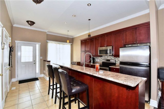 Detached at 14 Treen Cres, Whitby, Ontario. Image 17