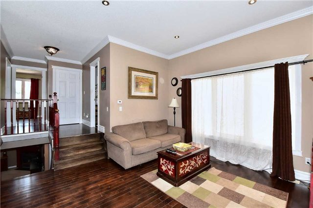 Detached at 14 Treen Cres, Whitby, Ontario. Image 19