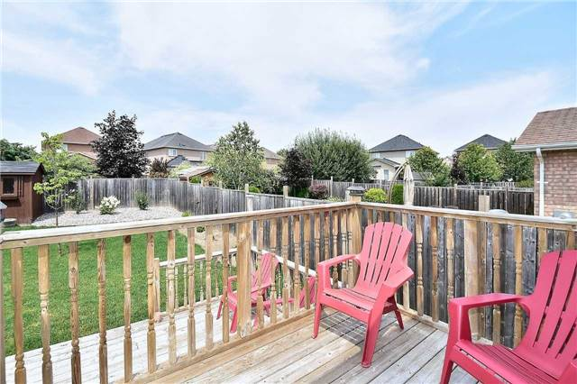 Detached at 14 Treen Cres, Whitby, Ontario. Image 6