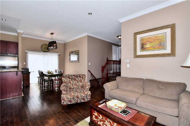 Detached at 14 Treen Cres, Whitby, Ontario. Image 11