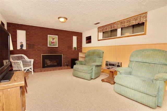 Detached at 79 John St, Scugog, Ontario. Image 10