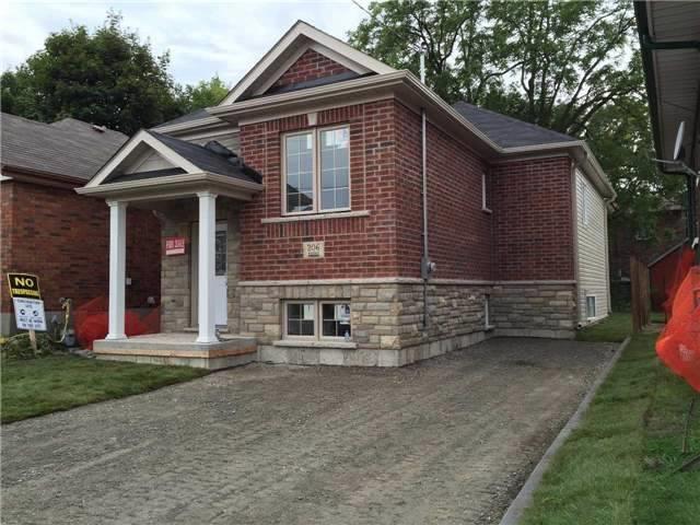 Duplex at 753 Albert St, Oshawa, Ontario. Image 1