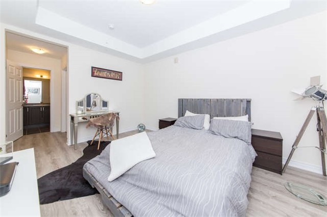 Condo Apartment at 660 Gordon St, Unit 110, Whitby, Ontario. Image 13