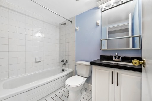 Condo Apartment at 330 Mccowan Rd, Unit 312, Toronto, Ontario. Image 4