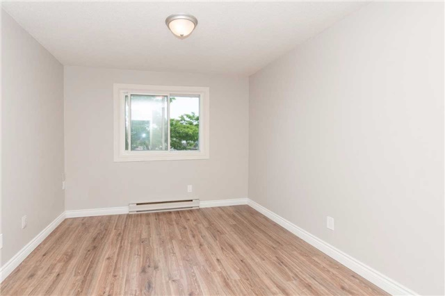 Condo Townhouse at 1010 Glen St, Unit 68, Oshawa, Ontario. Image 11