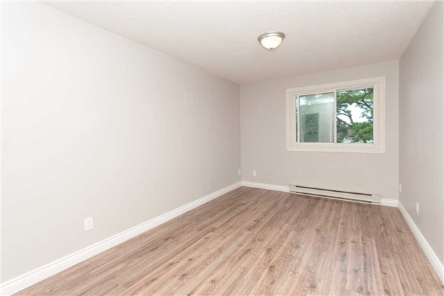 Condo Townhouse at 1010 Glen St, Unit 68, Oshawa, Ontario. Image 12