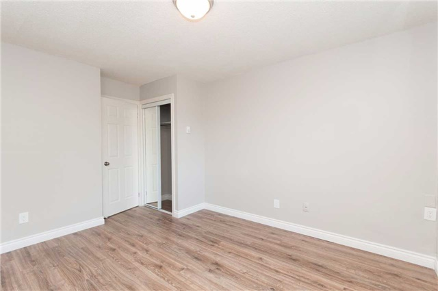 Condo Townhouse at 1010 Glen St, Unit 68, Oshawa, Ontario. Image 13