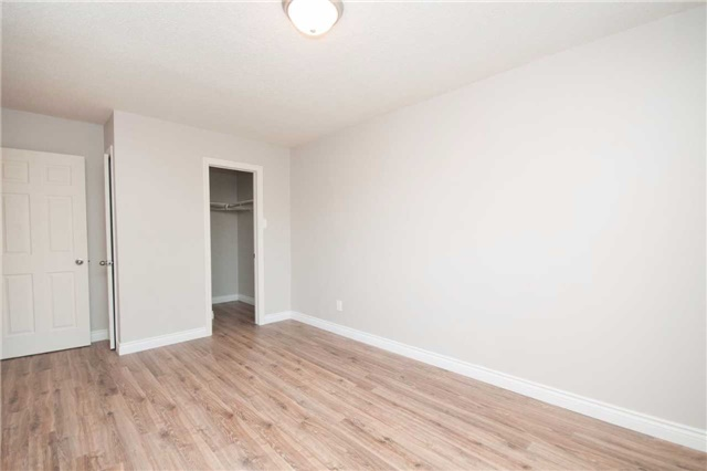 Condo Townhouse at 1010 Glen St, Unit 68, Oshawa, Ontario. Image 2