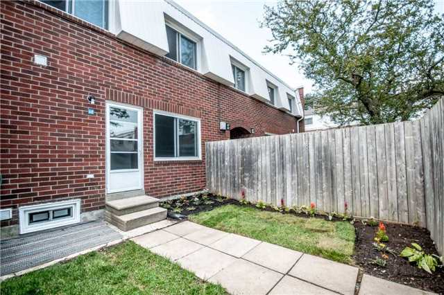 Condo Townhouse at 1010 Glen St, Unit 68, Oshawa, Ontario. Image 5