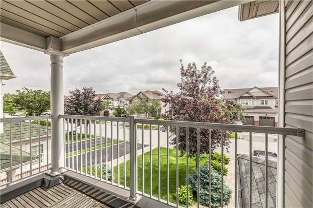 Detached at 121 Candlebrook Dr, Whitby, Ontario. Image 5