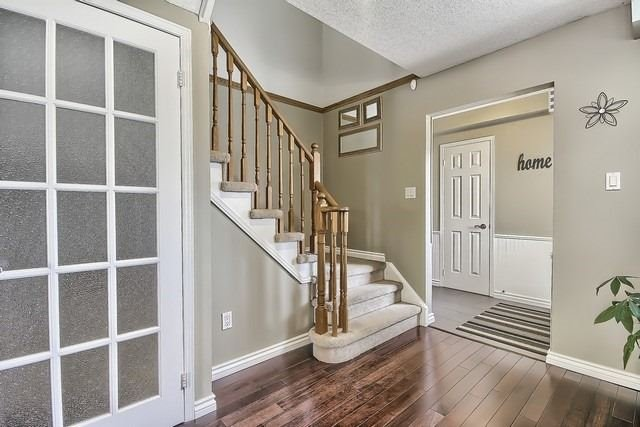 Detached at 14 Melborne Crt, Whitby, Ontario. Image 15