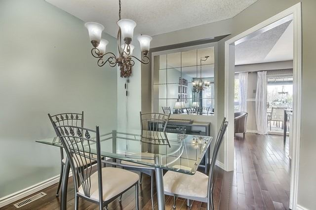 Detached at 14 Melborne Crt, Whitby, Ontario. Image 17