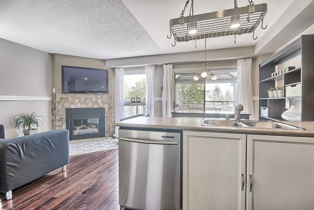 Detached at 14 Melborne Crt, Whitby, Ontario. Image 20