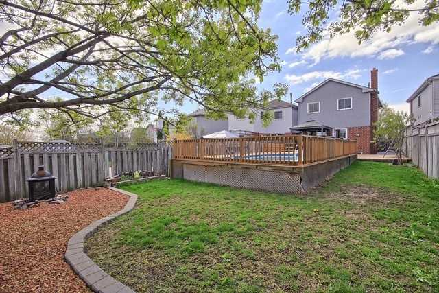 Detached at 14 Melborne Crt, Whitby, Ontario. Image 11